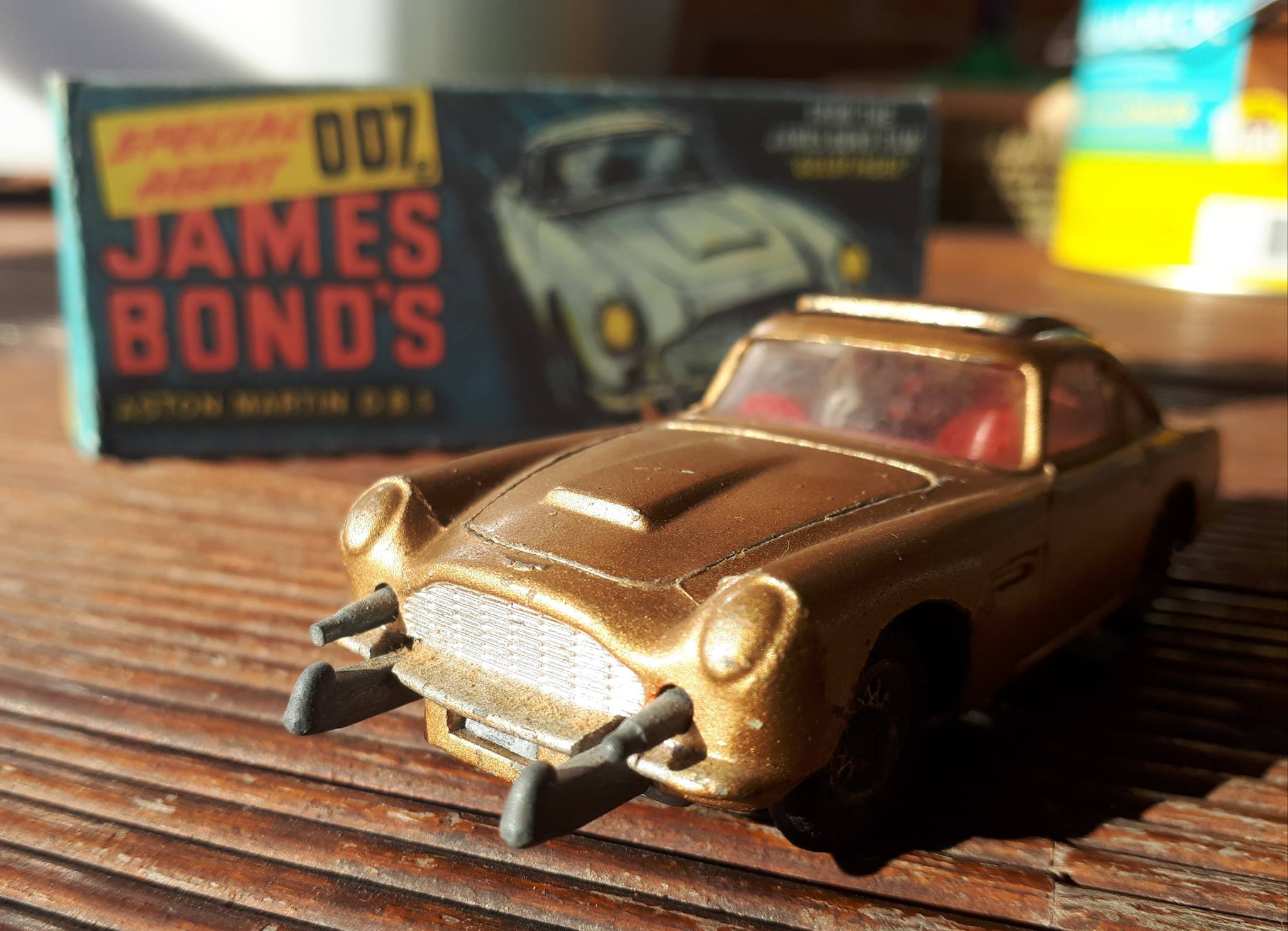 The 1965 Corgi 270 Aston Martin Db5 The James Bond Dossier